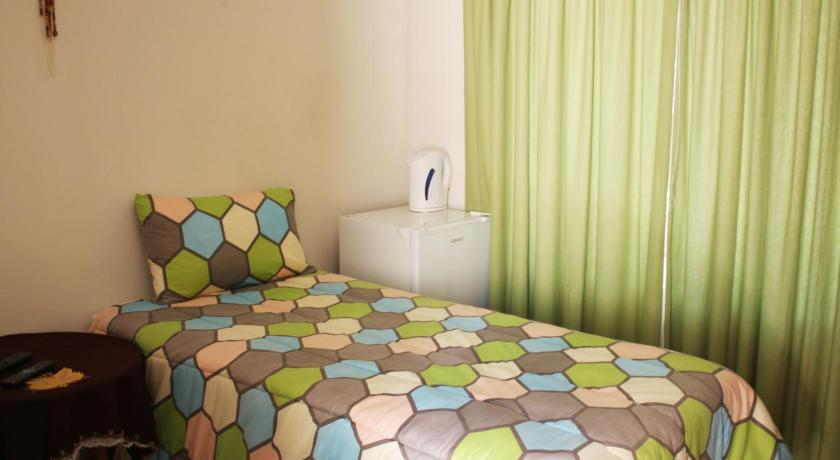Budget Double Room Mahikeng Guest Apartments