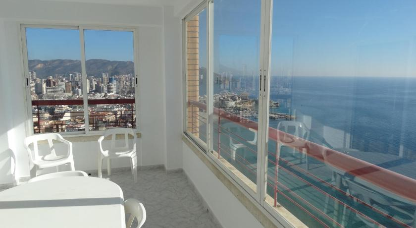 Apartamentos Beni Beach