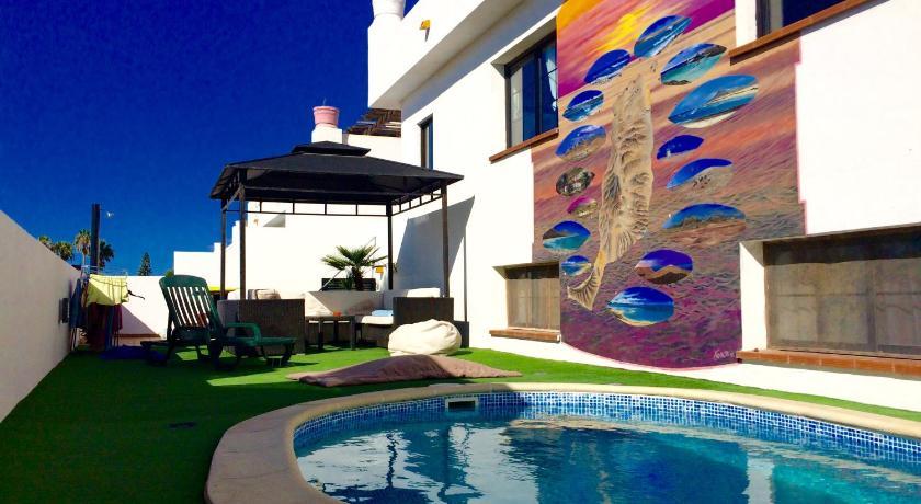 Best time to travel Lanzarote Surf Riders Fuerteventura