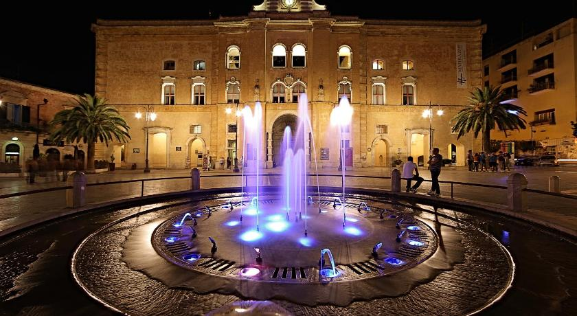 Best time to travel Apulia Santa Marta