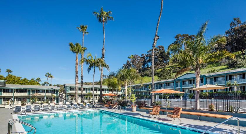 Hotels In San Diego >> Book The Atwood Hotel San Diego Seaworld Zoo San Diego