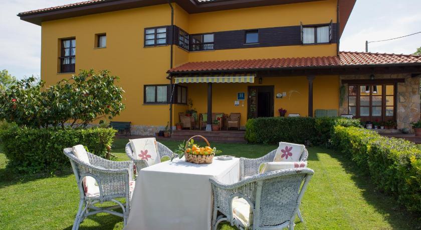 Best time to travel Spain Hotel Camangu