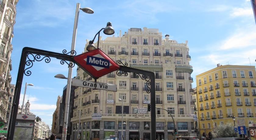 Gran Via Sol Montera Parking Gratis Apartment Madrid