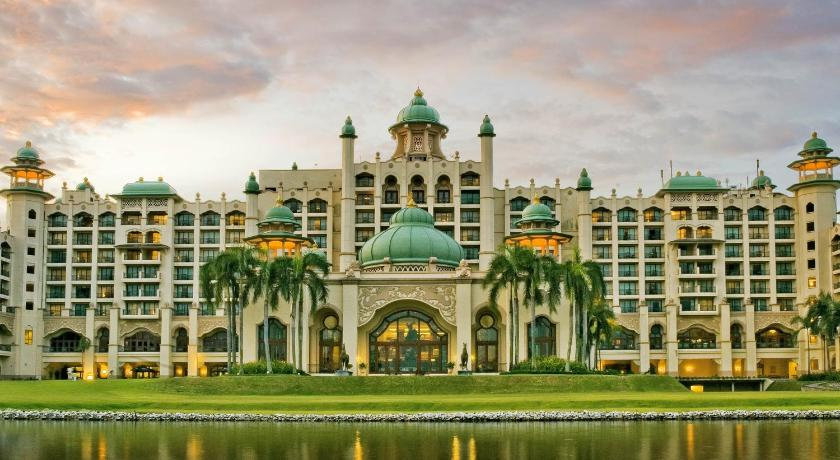 Best time to travel Kuala Lumpur Palace of the Golden Horses