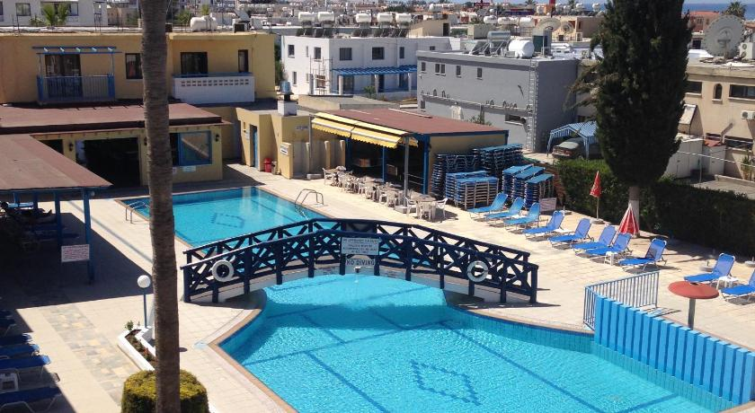 Best time to travel Cyprus Kefalonitis Hotel Apartments