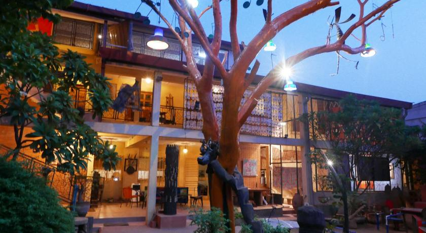 Best time to travel Ouagadougou Villa Yiri Suma