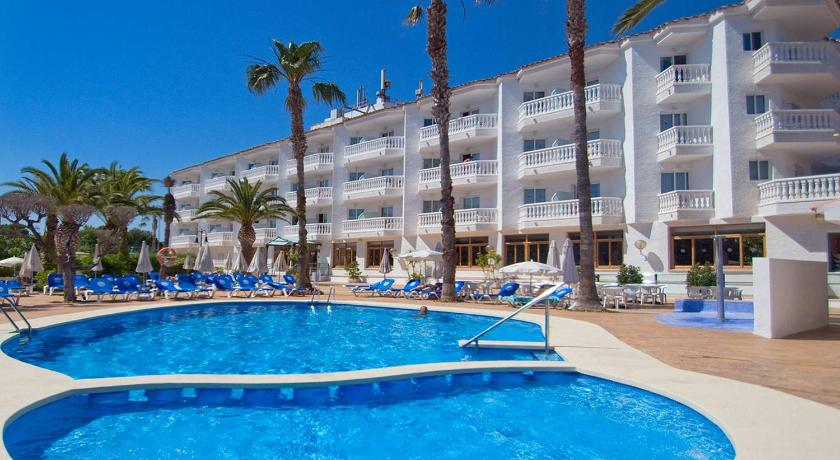Best time to travel Spain Hotel Servigroup Romana