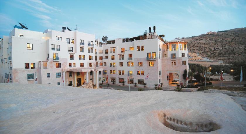 Best time to travel Petra Mövenpick Resort Petra