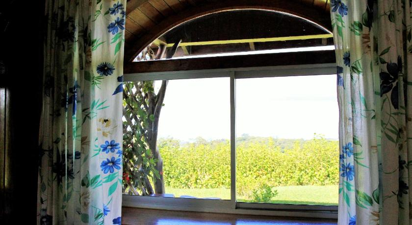 Superior One-Bedroom Bungalow (4 Adults) Cabinas Capulin & Farm