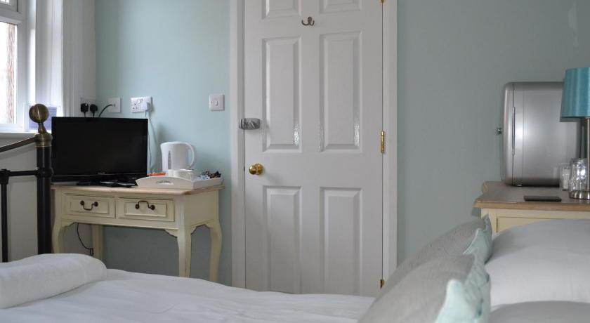 Small Double Room Corra Lynn