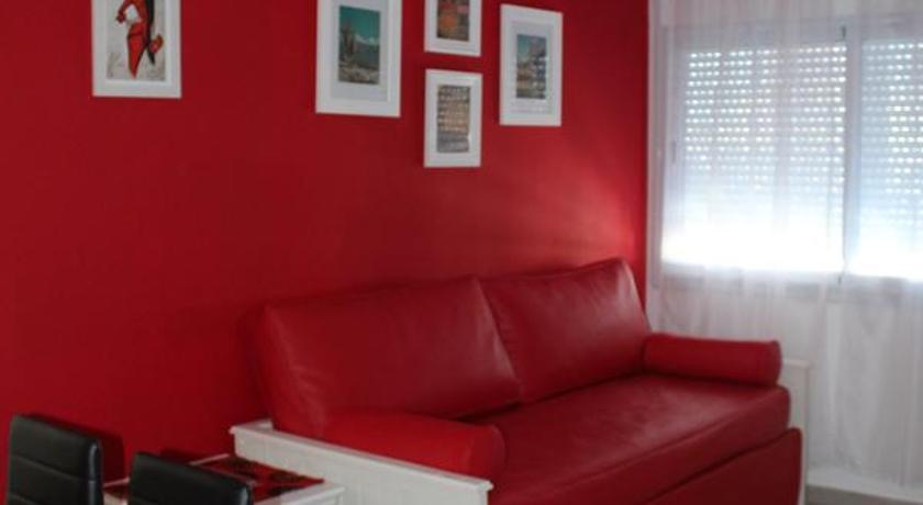 Best time to travel Bahía Blanca Apartamentos Holdich