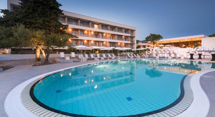 Best time to travel Solin Pharos Hvar Hotel