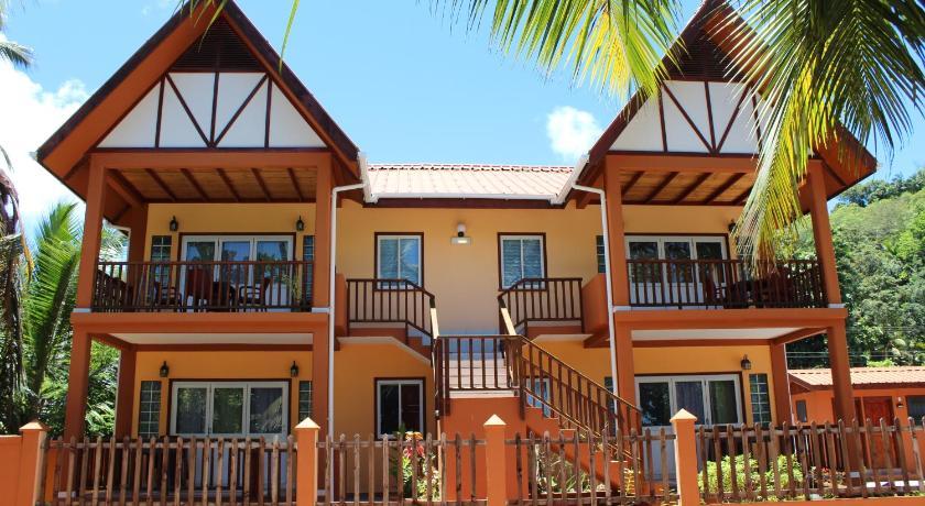 Green Blue Beach House Seychelles