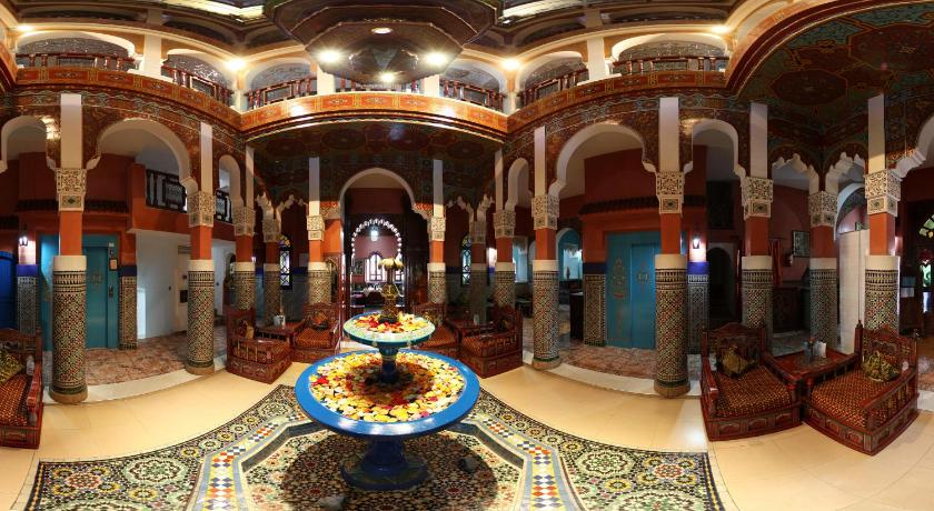 Best time to travel Morocco Moroccan House