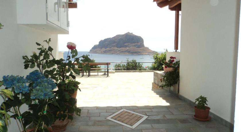 Best time to travel Greece Paraschou Guesthouse