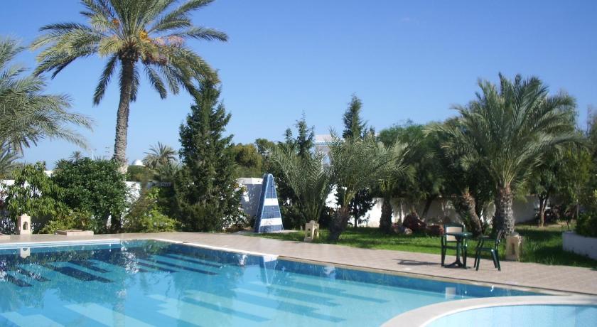 Best time to travel Tunisia Menzel Dija