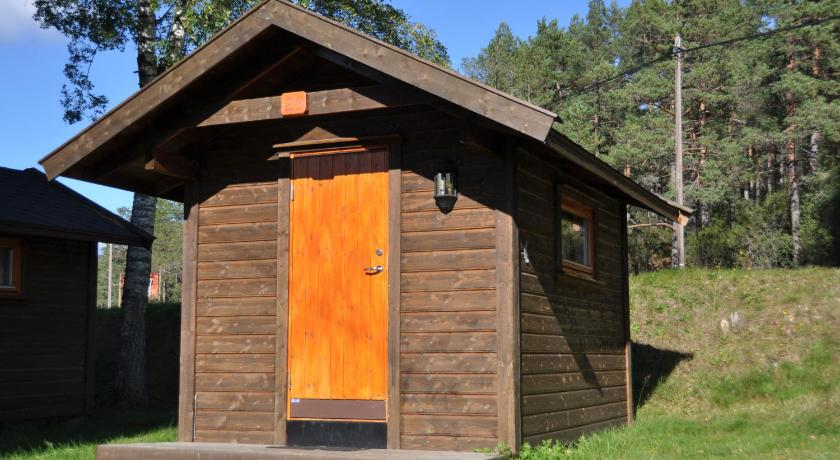 Cottage with Shared Bathroom (2 Adults) TrollAktiv Adventure Park Evje