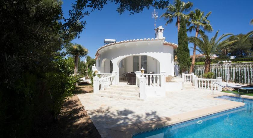 Best time to travel Spain Casa Muchacha