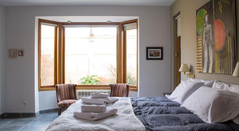 La Casa de Paula Hosteria Artesanal in Trelew - Room Deals