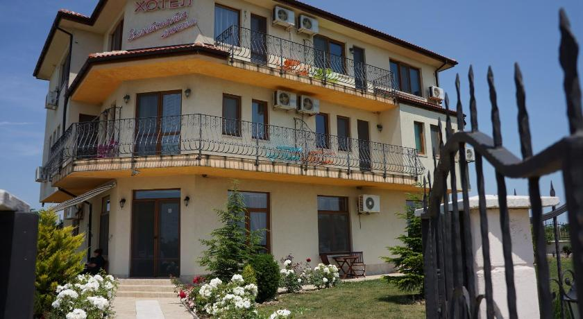 Best time to travel Kaliakra Guest House Golden Flake