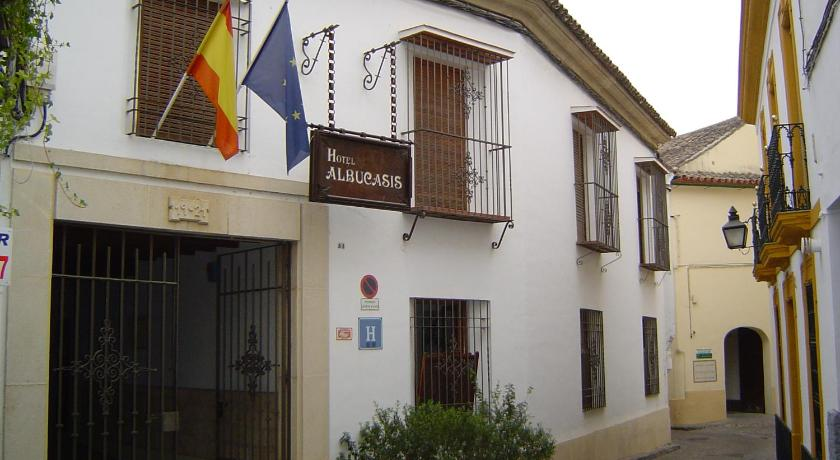 More about Hotel Albucasis