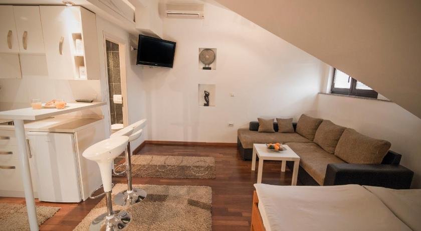 Best time to travel Croatia Studio Apartmani Zagreb Altis
