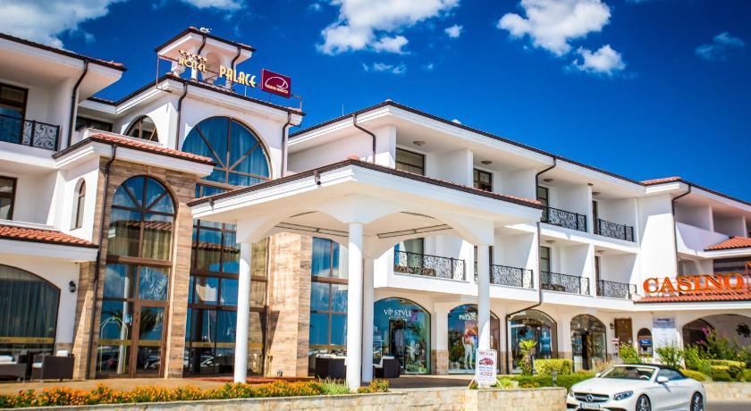 Best time to travel Sunny Beach Hotel Palace Marina Dinevi
