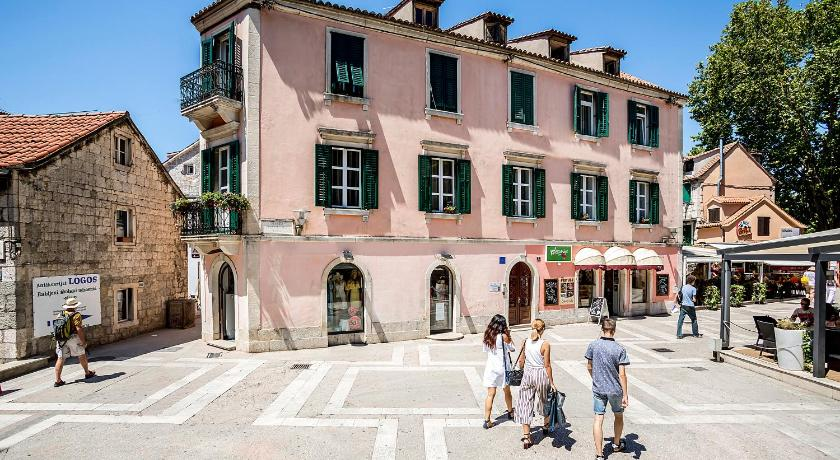 Best time to travel Split Piano Nobile Rooms