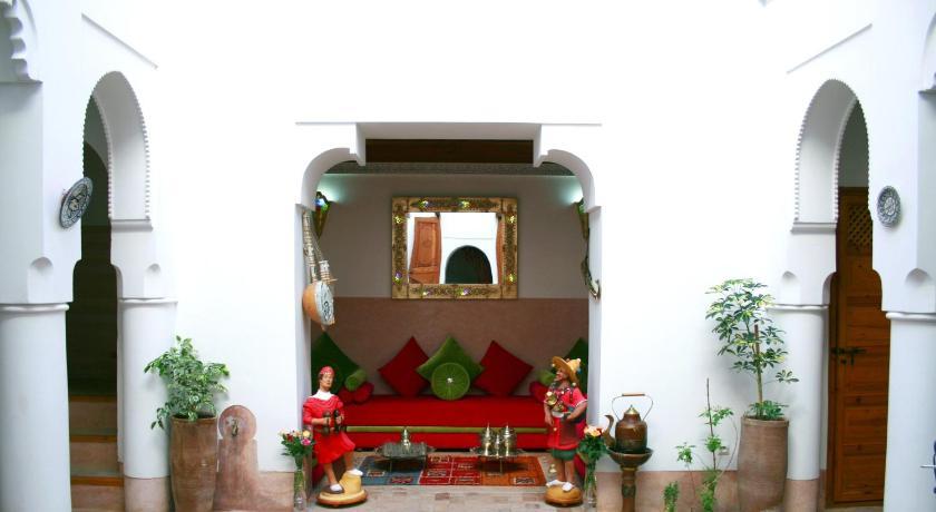 Best time to travel Morocco Riad Slawi