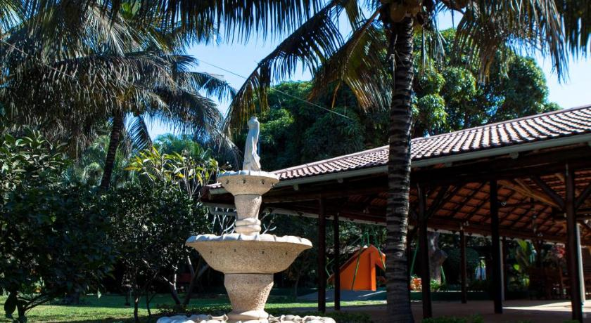 Best time to travel Matola Quinta Oazis Resort
