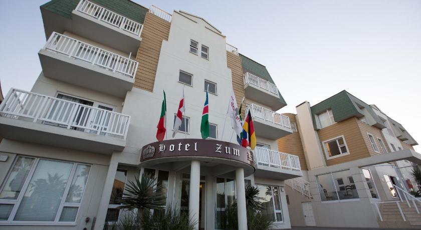 Best time to travel Namibia Hotel Zum Kaiser
