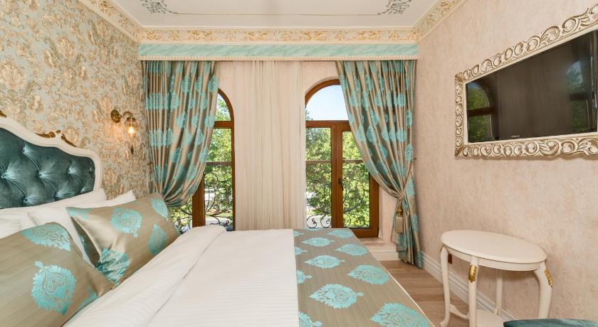 Best time to travel Turkey Hotel 1453