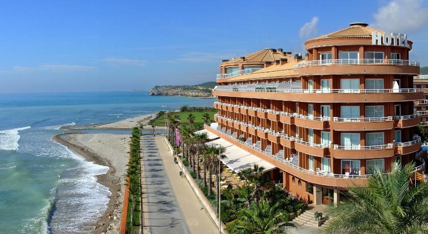 Best time to travel Costa Daurada Sunway Playa Golf & Spa Sitges