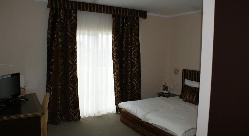 Double Room Guest Accommodation Atrium Gulin