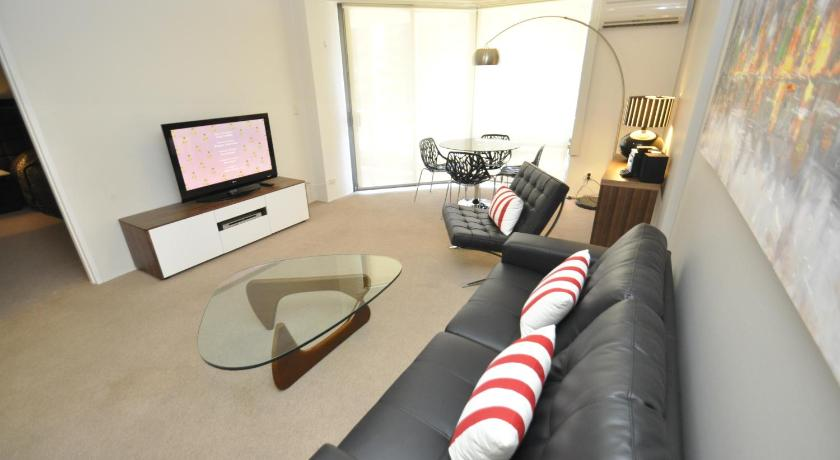 Best time to travel Australia Sydney CBD Modern Self-Contained One-Bedroom Apartment (53 MKT)