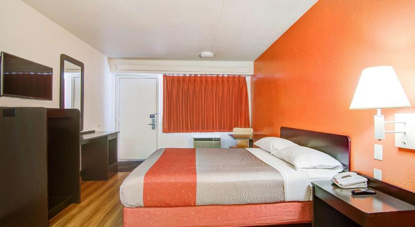 Motel 6 Springfield Mo North Hotel Springfield Mo Deals Photos Reviews