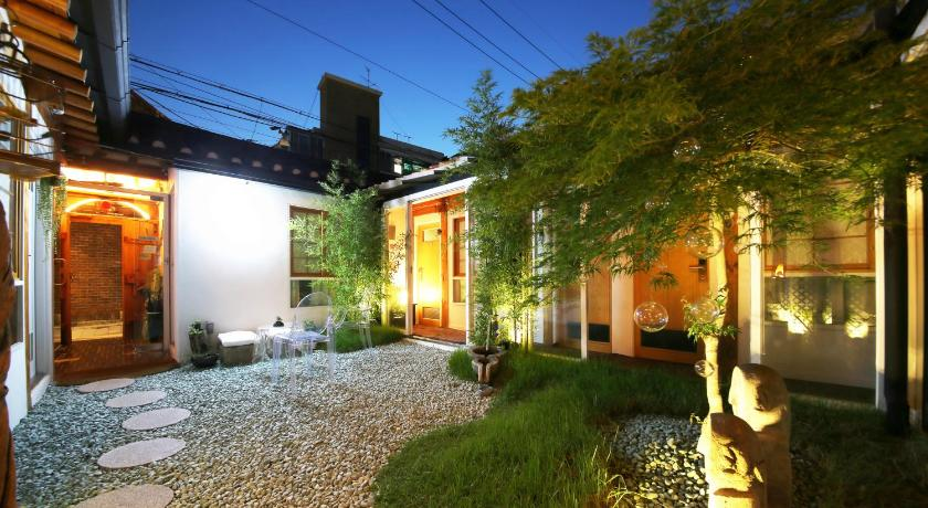 Best time to travel Seoul NagNe House (Boutique Hanok)