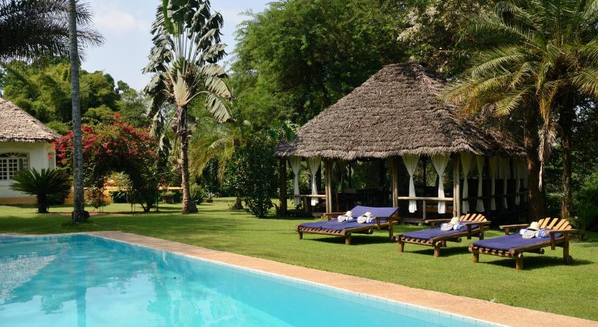Best time to travel Tanzania Arusha Safari Lodge