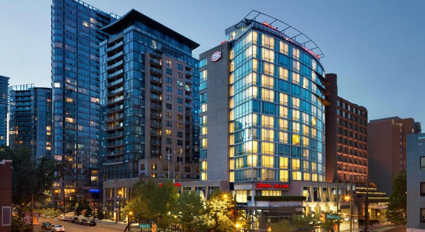 Best time to travel Canada Hampton Inn & Suites, by Hilton - Vancouver Downtown