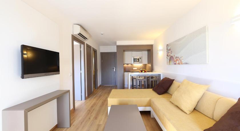 Best time to travel Cap de Formentor Apartamentos Jade