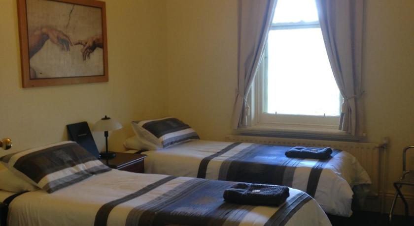 Twin Room Lancefield Guest House