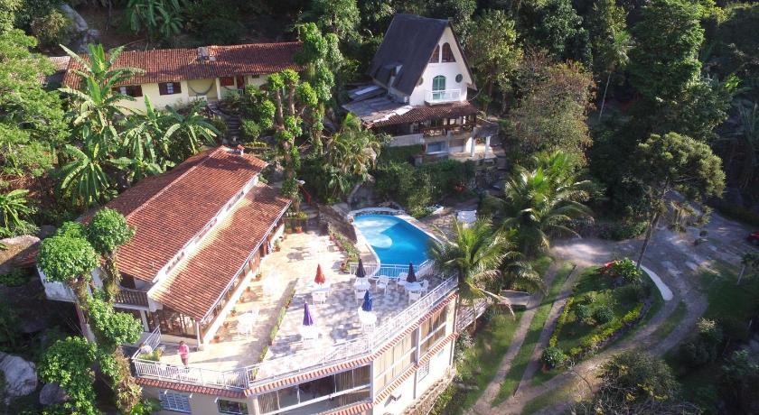 Best time to travel Rio de Janeiro Pousada Chale da Montanha