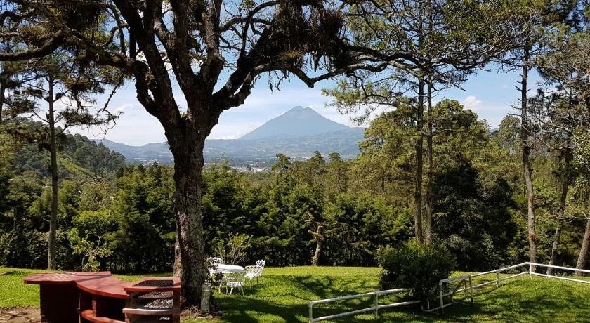 Best time to travel Chimaltenango Bosque Macadamia