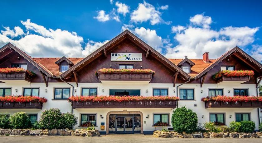 Best time to travel Wiener Neustadt Hotel Restaurant Schwartz