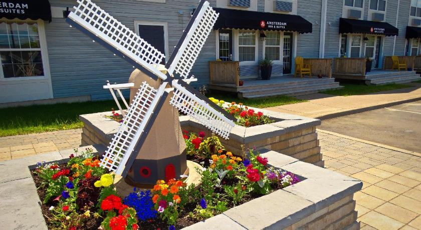 Best time to travel Canada Amsterdam Inn & Suites Moncton