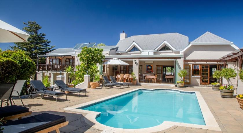 Best time to travel Cape Town Summit Place Guesthouse