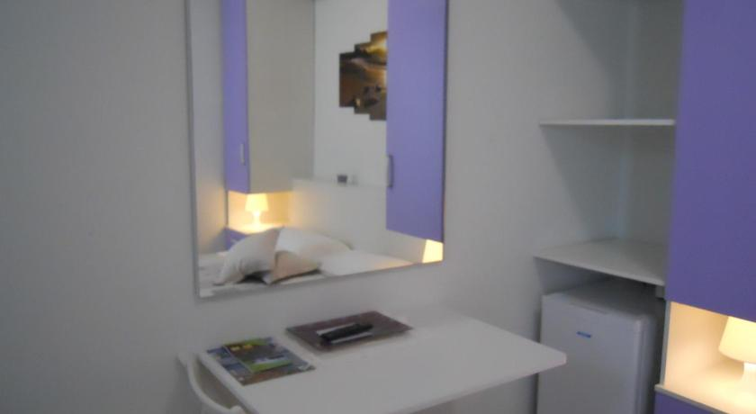 Double Room with Terrace Lilla B&B Villa Flora