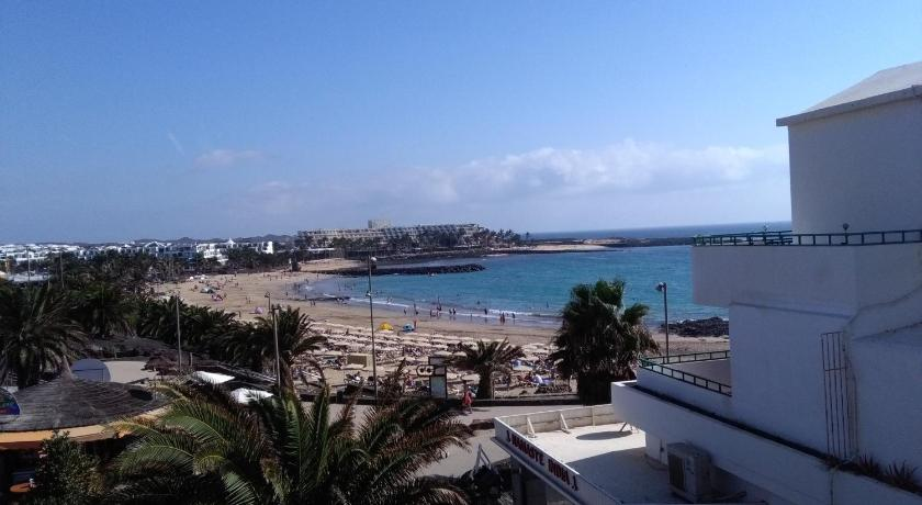 Best time to travel Lanzarote Paraiso Costa Teguise