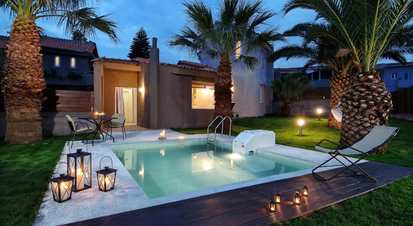 Best time to travel Greece Paradise Island Villas