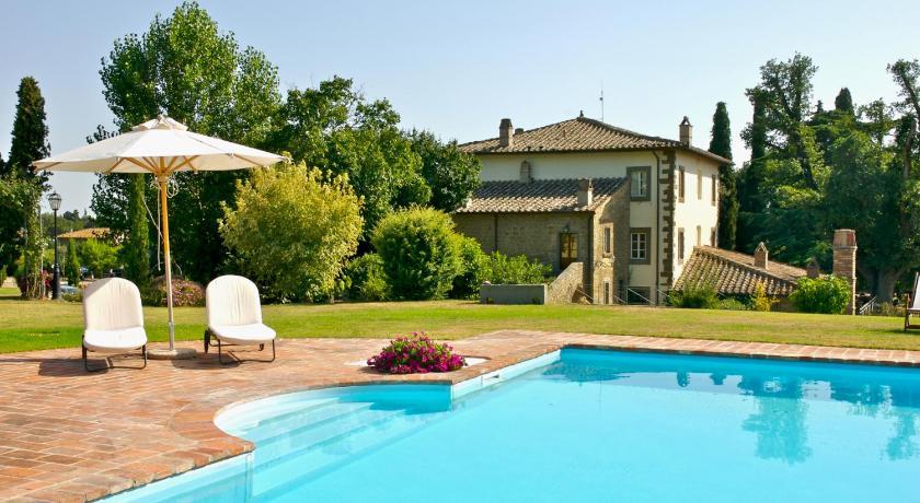 Best time to travel Italy Relais Villa Baldelli